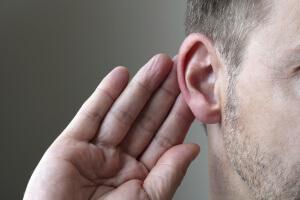 Симптомы разрыва барабанной перепонки