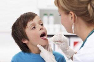 Спазмы в горле у ребенка