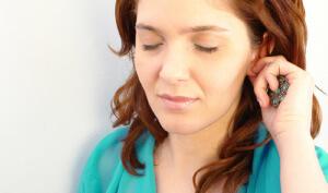 Как выгнать воду из наружного отдела уха
