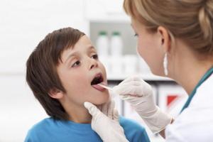 Заболевания горла у детей и способы лечения