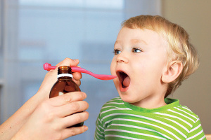 Лечение лающего кашля у ребенка медикаментозными препаратами