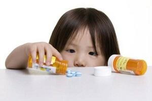 Лечение соплей у годовалого ребенка медикаментозными препаратами
