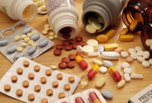 Лечение заболевания антибиотиками и медикаментозными препаратами