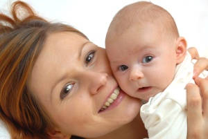 Как понять, что у новорожденного насморк — главные признаки инфекционного и аллергического насморка