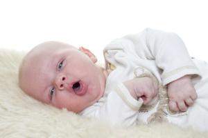 Безопасное лечение боли в горле у детей