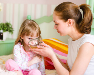 Боли в горле у ребенка - лечение: советы народной медицины