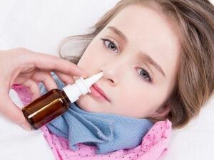 Лечение затяжного насморка медицинскими препаратами: виды и описание