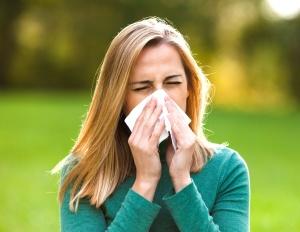 Хронический и затяжной насморк - одна из главных причины развития патологии