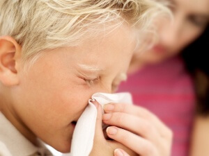 Основные признаки длительного насморка у ребенка