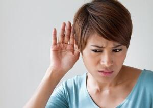 Чтобы избавиться от свиста в ушах, необходимо выяснить причину его возникновения