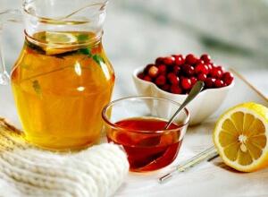 Простуда при лактации: безопасные медикаментозные и народные методы лечения
