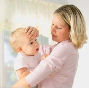 Простуда у грудничка: симптомы и лечение