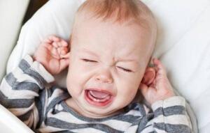 Гной из уха у ребенка - причины, опасные признаки, безопасное лечения и возможные последствия