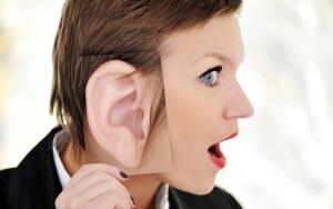 Существует много факторов, которые могут вызвать образования ушной пробки