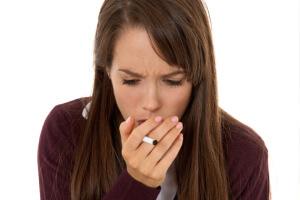 Сильный кашель по утрам с мокротой, без температуры и других симптомов заболевания – это кашель от курения