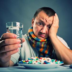 Лечение ангины медикаментозными препаратами: антибиотики, спреи, аэрозоли и средства для полоскания