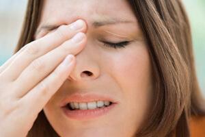 При неправильном лечении фронтита могут возникнуть тяжелые и опасные последствия