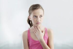 Гипертрофия миндалин у детей: признаки, лечение и удаление миндалин
