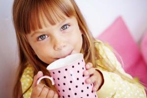 Самые эффективные рецепты народной медицины для лечения сухого кашля у детей