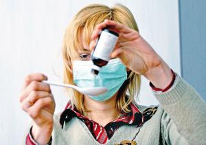 Эффективное медикаментозное лечение простуды может назначить только врач после обследования