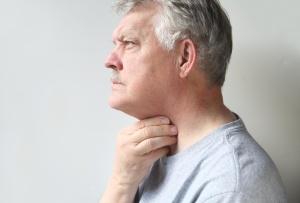Существуют как физиологические, так и патологические причины возникновения рака горла