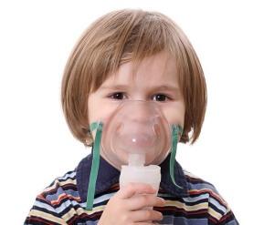Ингаляции небулайзером – эффективный метод лечения ангины, который оказывает комплексное воздействие на организм ребенка