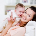 Так как в период ГВ иммунитет женщины снижается, очень легко заразится простудой