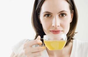 Полоскание горла – это один из самых эффективный методов лечения хронического тонзиллита