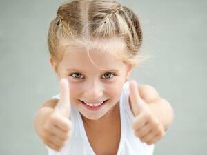 Промывание носа – это безопасный метод лечения насморка, который можно использовать детям, взрослым и при беременности