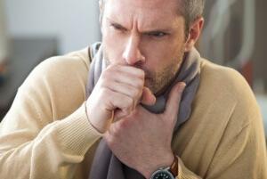 Запущенная простуда может спровоцировать развитие тяжелых осложнений