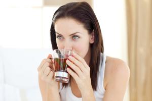 Эффективные народные методы для лечения простуды при лактации