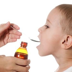 Выбирая для детей отхаркивающий препарат, отдавайте предпочтение сиропам