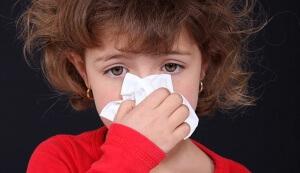 Насморк – это воспаление слизистой оболочки носа, которое сопровождается слизистыми выделениями