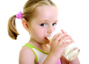 Шалфей с молоком  - один из самых эффективных народных рецептов от кашля