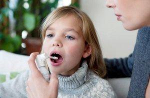 Противовоспалительные детские спреи для горла