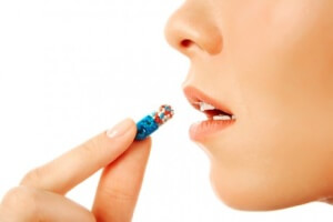Антибактериальные препараты назначаются тогда, когда заболевание гортани было вызвано бактериальной инфекцией