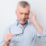 Шум в левом ухе может возникнуть по разным причинам и указывать на разные заболевания