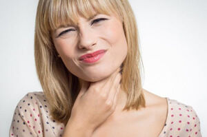 Мирамистин является один из лучших препаратов для лечения заболеваний горла, носа и уха