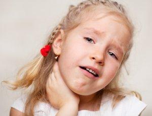 Спреи для гола имеют разные свойства, поэтому назначаются в зависимости от причины возникновения боли в горле