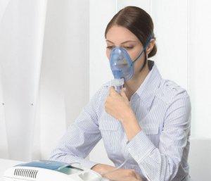Ингаляции небулайзером не проводят при повышенной температуре тела