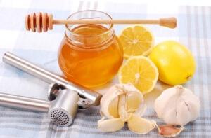 Нужно помнить, что народные средства являются вспомогательными методами лечения простуды