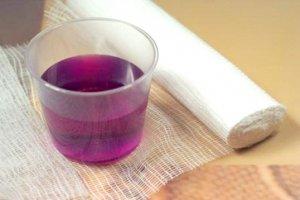 Марганцовка – популярное средство, которое широко используется в медицине и обладает антисептическим действием