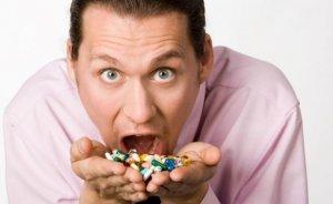 Боль в горле это только симптом, лекарства назначаются в зависимости от поставленного диагноза