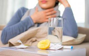 Лекарства для лечения воспаления носоглотки принимаются в зависимости от стадии и формы недуга