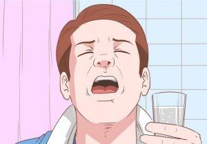 Полоскание горла – эффективный метод, который помогает быстрее вылечить воспаление носоглотки