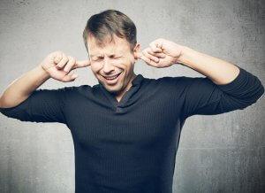 Свист в ушах: причины и возможные заболевания