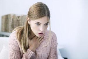 Запущенный герпес в горле может спровоцировать развитие более серьезных заболеваний в организме