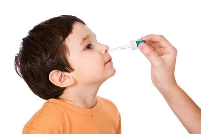 Сложные капли в нос: лучший рецепт для детей