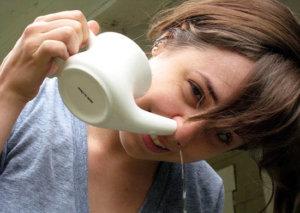 Данная процедура помогает удалить скопившуюся слизь, устранить отек и облегчить дыхание