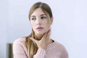 Мирамистин является одним из лучших медикаментозных средств от заболеваний горла